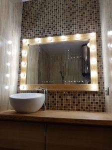 Гримерное зеркало для ванной комнаты