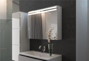 зеркало в ванну на шкафчике
